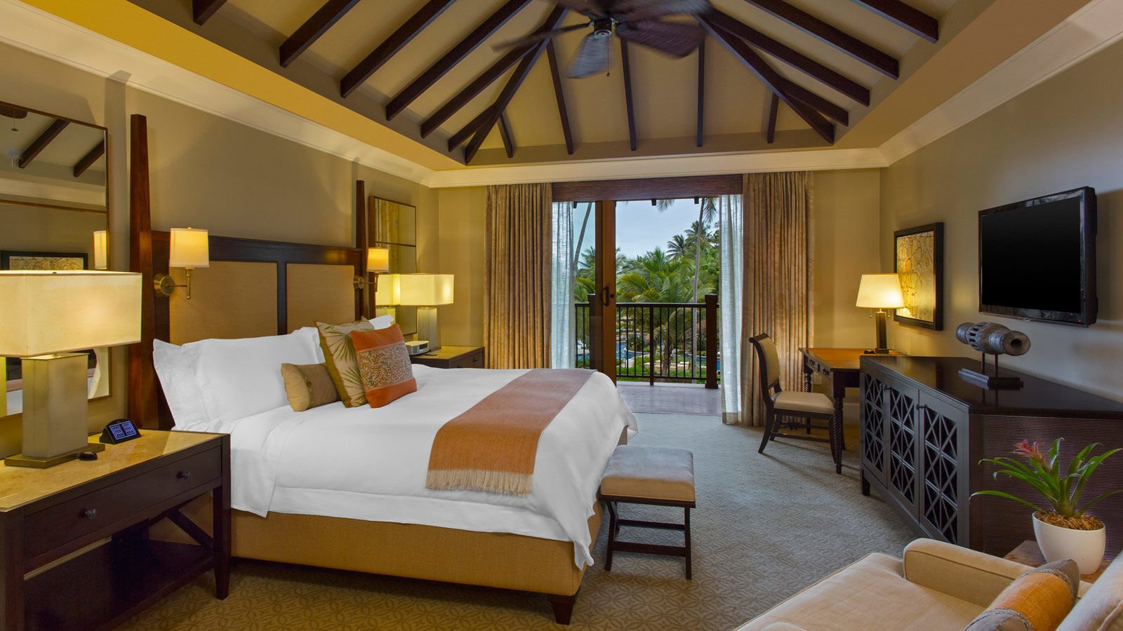 Oceanfront Room - The St. Regis Bahia Beach Resort